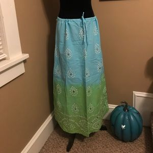 Old Navy long skirt ombré/embellished size 6